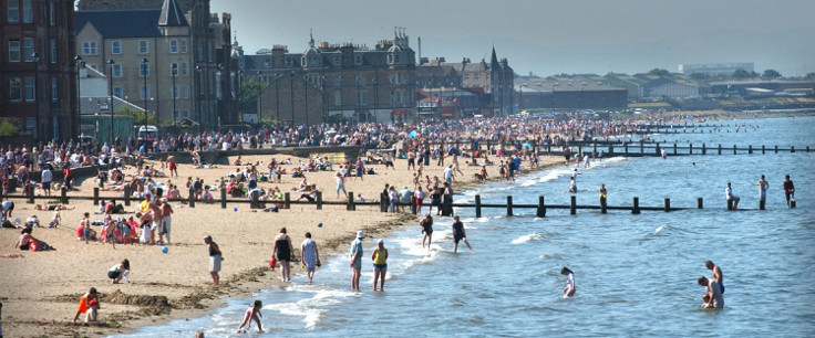 Portobello Beach Summer Crowds Swimming