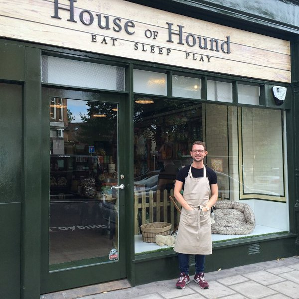 House Of Hound Square