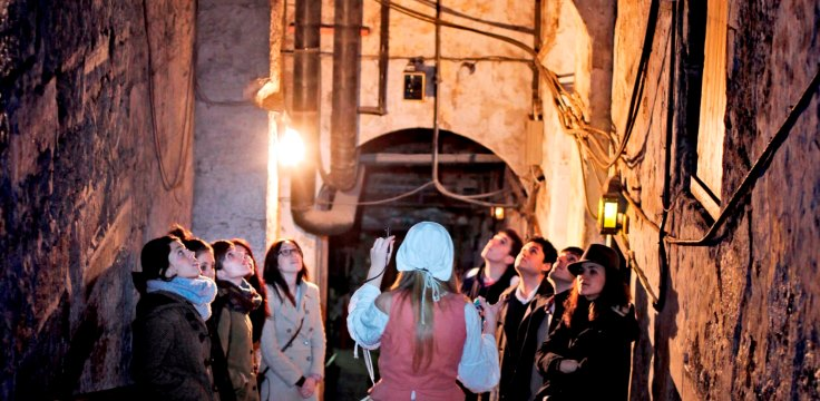 Real Mary Kings Close Tour Group Credit RMKC