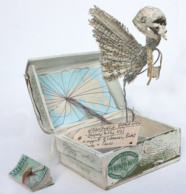 Book Sculptor Free To Fly Cr Paul De Roo