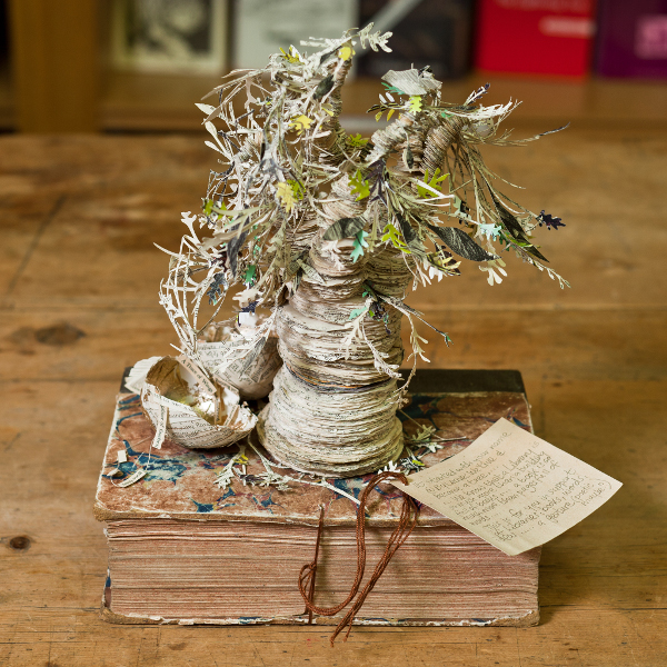 Book Sculptor Poetree Cr Chris Scott